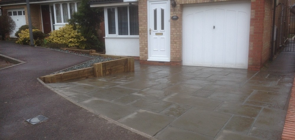 Roots-Landscaping-driveway-e1569416461863